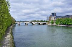 Paris : Pont Royal /  le Louvre (Pantchoa) Tags: paris france seine river pontroyal lelouvre museum musée quai voltaire spring printemps nikon d90 nikkor 18105mmf3556 viewnx2 capturenx2 rawfile pantchoa françoisdenodrest pantxoa