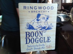 Ringwood Brewery, Boon Doogle Ale (Stuart Axe) Tags: uk england beer station sign bar pub label ale hampshire pump brewery grapes tap pint winchester beerfestival camra realale publichouse boondoogle theoldvine'sbar