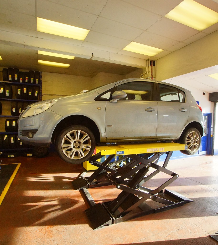 The world 39 s best photos of garage and kwikfit flickr for Garage ben autos