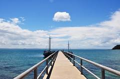 nova semana... novas perspectivas... (Ruby Ferreira ®) Tags: clouds boats bay pier píer brasilemimagens ilhadofradeba baíadetodosossantosba