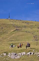San Inazio 2013 (Jabi Artaraz) Tags: nature gente zb multitud gorbea saninazio euskoflickr mendizaleak jartaraz mendizales