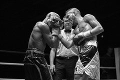 Franck (Benjamin Putoud) Tags: bw white black canon fight 85mm boxi