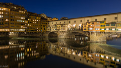 Ponte Vecchio by night (Ramireziblog) Tags: ponte vecchio night evening city florence firenze italy river arno bridge