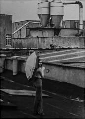 UMBRELLA (Earl of Klueth) Tags: fabrikdach lemgo polstereifabrik 1987 earlofklueth regenschirm person