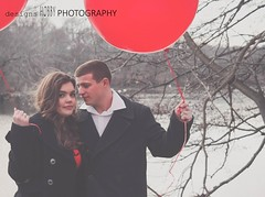 love (designsHOBBYPHOTOGRAPHY) Tags: love valentine valentinesday young couple portrait people red balloon