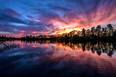 The Sky Lit Up (Fin Wright) Tags: ianwright 2017 blip finwrightphotographycouk ian fin finwright ellesmere themere mere lake reflections reflection purple sky sunset sun shropshire cloud setting canon eos 6d ef1635f 28l ii usm