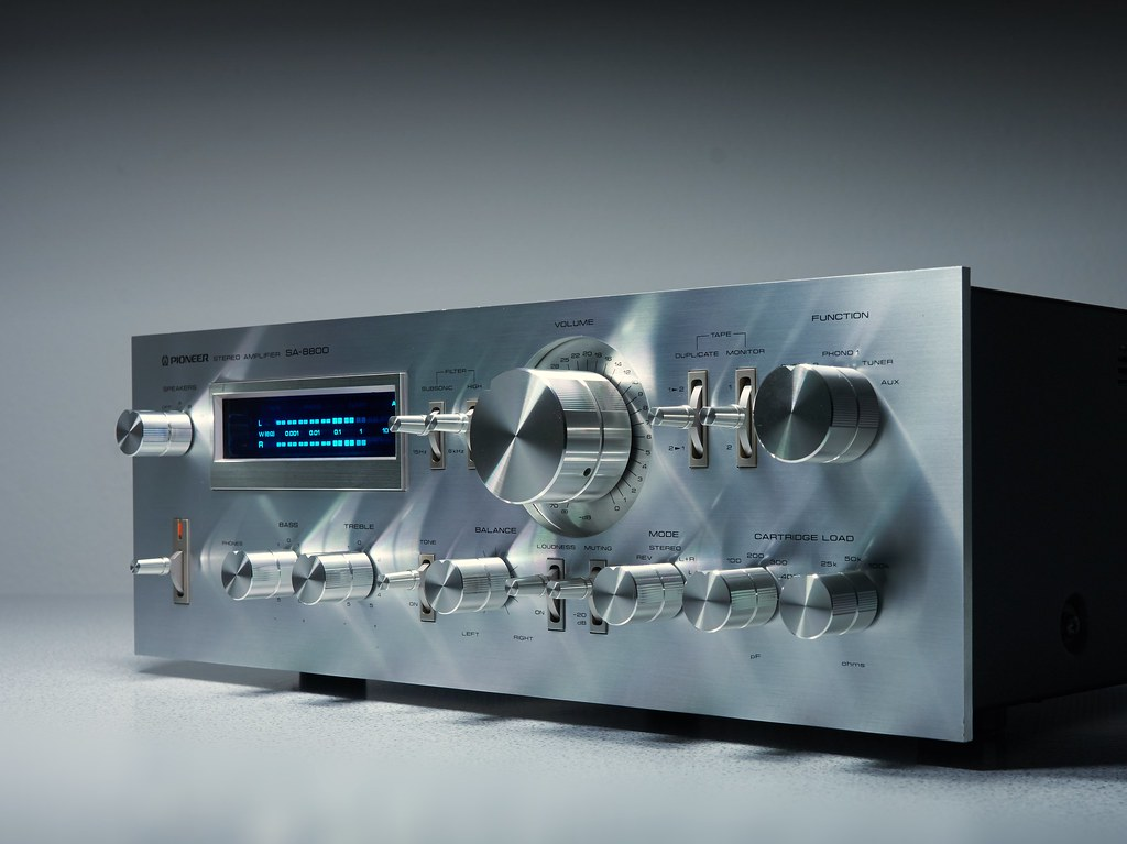 The World's Best Photos of integratedamplifier and vintage