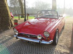 Sunbeam Tiger NPP790D (Andrew 2.8i) Tags: queen queens square bristol breakfast club classic classics car cars show meet avenue drivers all types transport youngtimer oldtimer rootes sunbeam tiger v8 british sports sportscar open roadster cabriolet