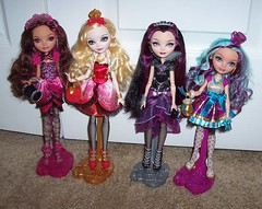 The Signature 4 (Veni Vidi Dolli) Tags: dolls mattel applewhite maddiehatter ravenqueen everafterhigh madelinehatter briarbeauty