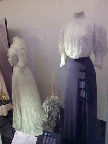 Period dresses (1910s)