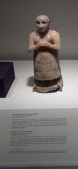 Votive statue of a male worshipper (phool 4  XC) Tags: toronto canada museum rom mesopotamia royalontariomuseum oldstones  2600bc