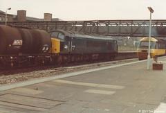 45124 28th June 1983 Nottingham (Ian Sharman 1963) Tags: nottingham station june train diesel engine peak loco class 45 1983 tanks 28th 45124