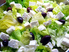 Salat (stadtbraut) Tags: food black green cheese canon garden salad nice healthy essen raw spice fresh dressing well spices vegetarian olives spicy grn diet popular aromatic salat garten liked kse schwarz heartdisease feta vitamins nutrition wellness canonpowershot cholesterol frisch vitamine blackolives gewrz gesundheit vegetarisch roh oliven gewrze safeandsound g16 gesund nahrungsmittel kopfsalat ernhrung aliveandkicking healthydiet wohlbefinden kstlich fleischlos cholesterin eathealthy beliebt schmackhaft aromatisch populr gesundeernhrung schwarzeoliven tastegreat herzerkrankung canonpowershotg16