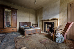 WCH-12 (StussyExplores) Tags: house rural scotland highlands decay small cottage explore whisky farms behind left exploration urbex hoose holdings rurex cottar