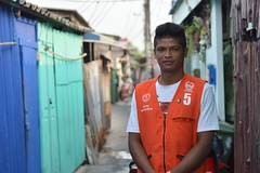 new motorcycle taxi driver vest (the foreign photographer - ) Tags: portraits dark thailand bangkok taxi motorcycle driver vest skinned khlong bangkhen thanon