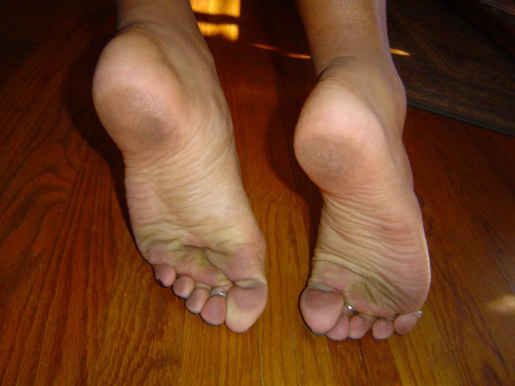 Sahara knite foot fetish-3115