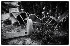 Please, take a seat. (lucas2068) Tags: seat silla waste garbage desecho basura blackandwhite bw blancoynegro byn monochrome