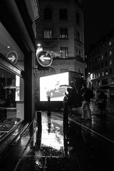 Bank Junction protest (Spannarama) Tags: screen bright bigscreen light reflections taxis cabs blackcabs londontaxi protest bank bankjunction night evening lowlight snow sleet wet london uk blackandwhite