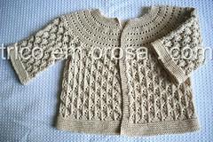 Lucille antes de molhar (Valeria Ferreira Garcia) Tags: baby sweater knitting lace handknit beb lucille cardigan seamless tric algodo renda casaco suter semcostura cardig