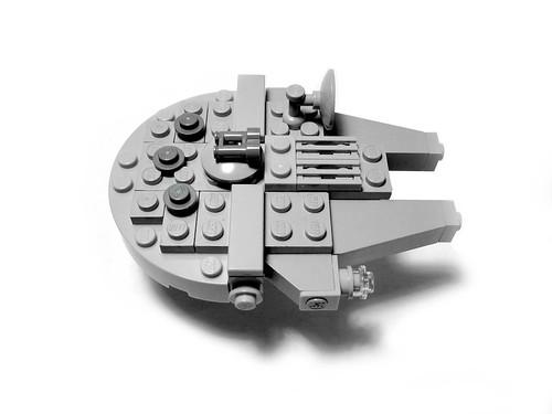 Millennium Falcon - LEGO Mini MOC