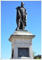 02-statue delzons