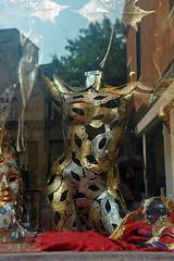 Reflets vénitiens (Véronique Delaux On/Off) Tags: montpellier rue venise reflets italie vitrine photographe »véroniquedelaux» delaux «photographemontpellier»