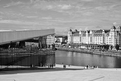 Opera, Oslo, Norway (bm^) Tags: city travel urban bw white black reflection oslo norway architecture zeiss reflections nikon opera zwartwit no spiegel carl akershus zwart wit stad architectuur noorwegen reflectie planart1450 d700 zf2 planar5014zf