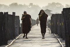 Monks on U Bein Bridge (Oscar Tarneberg) Tags: canon worship burma monk buddhism telephoto myanmar 70300mm explored 70300l 5d3