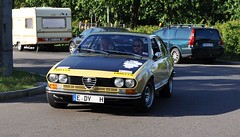 Alfa Romeo Alfetta GT (1976) (Transaxle (alias Toprope)) Tags: auto old hot berlin history beautiful beauty car sport vintage 1974 design amazing classiccar vintagecar automobile power ar antique voiture historic retro coche soul carros 1975 alfa gtv carro vehicle oldtimer 1978 bella autos gt veteran 1977 alfaromeo oldtimers powerful 1979 classiccars automobiles 1976 coches 116 styling veterans clasico sportscar vintagecars voitures toprope alfetta giugiaro historiccar twincam sportcars d90 dohc autostoriche transaxle historiccars bellamacchina giorgettogiugiaro doppelnocker overheadcamshafts tipo116 transaxiale