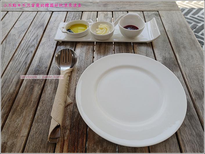 弘大 the famous lamb 早午餐buffet (4).JPG