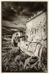 CASA VIEJA_05 (EXPLORE 2017-03-09) (Jose María Ruiz) Tags: casa antigua ruina blanco y negro sofá angular andalucía españa málaga mijas home ancient ruin black white sofa andalusia spain monocromático blancoynegro blackandwhite nikcollection google virado amarillento yellow