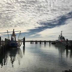 #terschelling #heerlijk #wadden #worldheritage #eiland #wonderful_holland #loves_netherlands #super_holland #mooistefotovannederland #sky #cloud #ig_discover_holland #harbour #uwn_holland #holland_photolovers