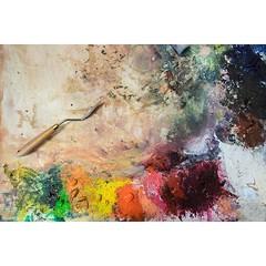 Where the colour mixing magic happens - the artists #palette. #wallkandy #studio #toolsofthetrade #oilpaint #fineart #palette #fb #f #t #p (Photos © Ian Cox - Wallkandy.net) Tags: wallkandy art photography ian cox gallery street graffiti document streetart canon chloeearly studio london 2016 palette oilpaint
