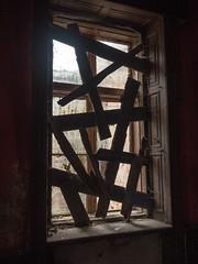 Bełdów Dwór - okno (Kwarek) Tags: bełdów dwór szlachecki urbex okno window mysterious