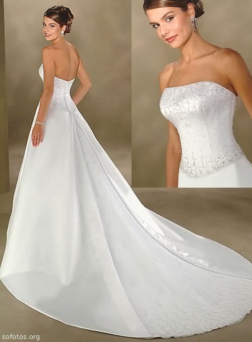 Vestido de noiva tomara que caia com cauda