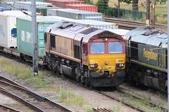 66018 9th Aug 2013 Ipswich (Ian Sharman 1963) Tags: english yard port train diesel top shed engine railway loco 66 class wakefield welsh aug 9th felixstowe ipswich freightliner ews 2013 of 66018 4l45