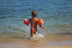 - (pucciarellic) Tags: sea summer baby beach canon eos mare child estate brother 70300mm spiaggia francesco bambino 600d braccioli