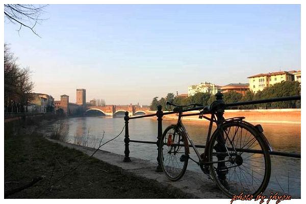 1108878338_遠眺舊城堡與史卡傑利橋