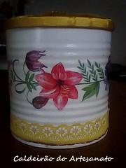 Lata com Decoupagem (Caldeirão do Artesanato) Tags: portatreco decoupagem latadecorada artesanatoemlata reciclandolata