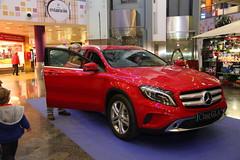 10-Citycar Sur presenta los nuevos Mercedes-Benz Clase C y GLA con la espectacular actuación de Nancys Rubias