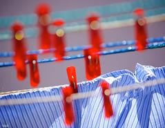 Clean (Blas Torillo) Tags: red shirt méxico mexico rojo nikon clean wash puebla clothespin limpio camisa professionalphotography lavar fotografíaprofesional mexicanphotographers d5200 fotógrafosmexicanos nikond5200 ganchoparacolgarropa