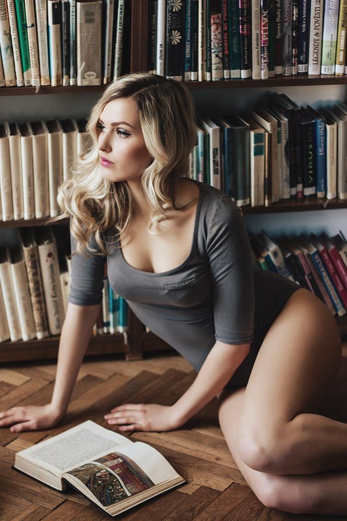 Daniela (minu minu) Tags  portrait woman sexy girl canon eos czech library  books bookstore 37e9b31ce
