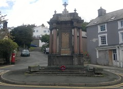 "Machynlleth War Memorial • <a style=""font-size:0.8em;"" href=""http://www.flickr.com/photos/9840291@N03/13903130364/"" target=""_blank"">View on Flickr</a>"