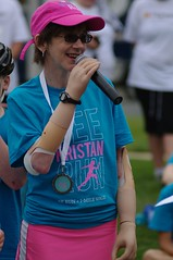 POP_2382 (Philip Osborne Photography) Tags: charity race see nc running run speech seaford 5k matthews amputee prosthetic kristan