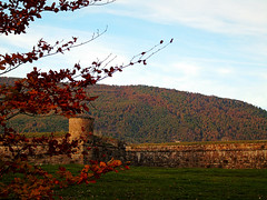 Ciudadela de Jaca (Jaca, Huesca, España). (paulaaiglesiaas) Tags: ciudadela jaca aragón pirineos otoño