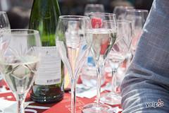 _MG_6032 copy (Yelp.com) Tags: feest community yelp elite oyster drinken zon philippe cava lekker wijn oesters matterhron hawinkel oesterkraam