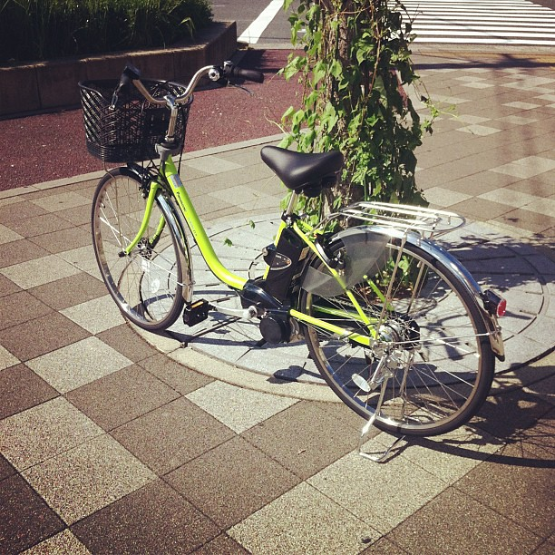 今日お客様!電動アシスト自転車!綺麗な色です! #eirin #電動アシスト自転車#panasonic