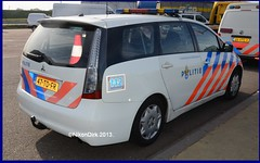 Dutch Police Grandis. (NikonDirk) Tags: nikondirk politie police dutch holland hulpverlening mitsubishi grandis zuid oost brabant trailer foto 47tdfr
