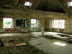 DreiStreif: Raum / Room (nocore) Tags: thringen kaffee ruine nordhausen urbex industrieruine rsterei dreistreif