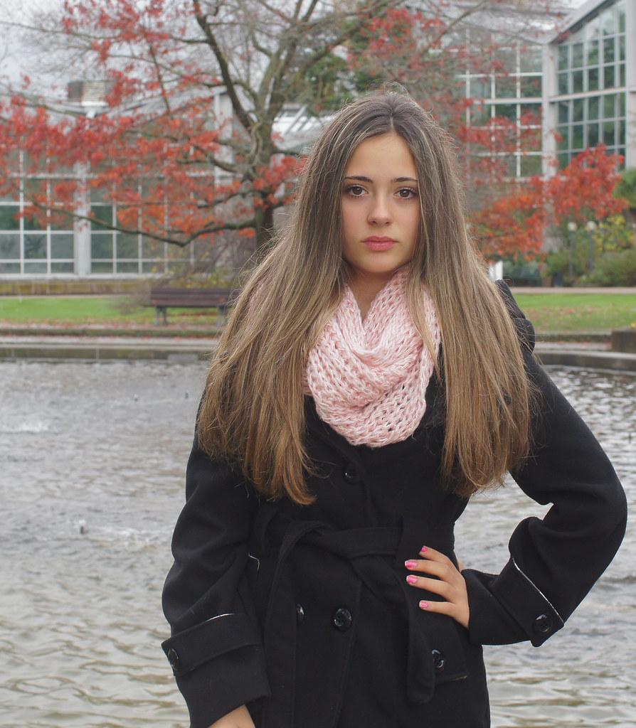 14yo girl DSC04794 (BerlinDreamer) Tags: portrait girl 35mm sony teenager a55 14yo sal35f18